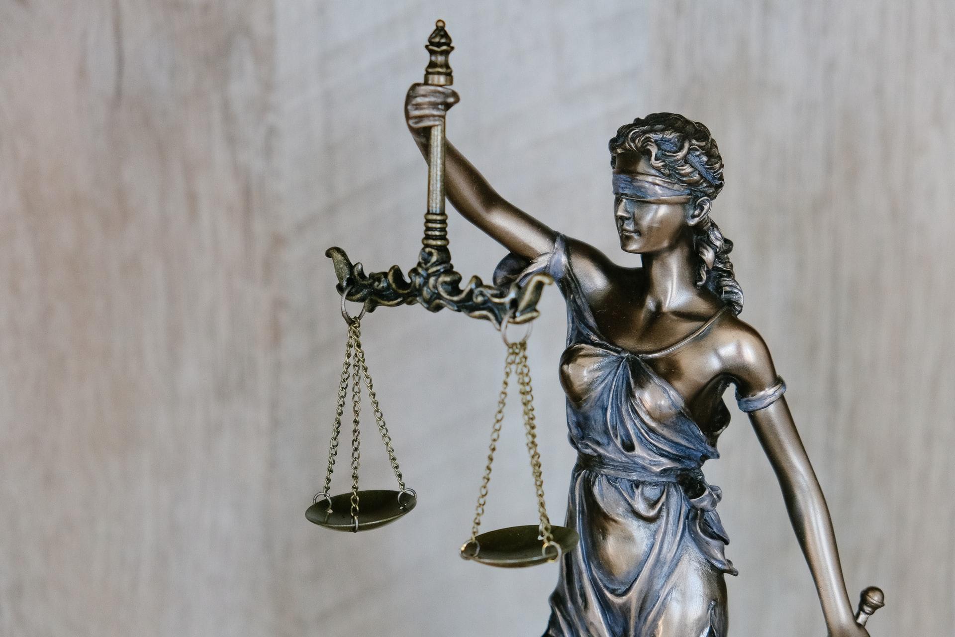 Mahasiswa Baru Fakultas Hukum Wajib Baca 3 Hal Ini!