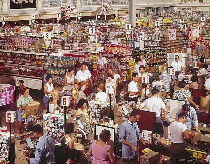 15 Foto Evolusi Supermarket Zaman Dahulu, Dari Aesthetic Sampai yang Klasik!
