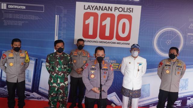 Peluncuran nomor telpon 110 polisi (911 in US)