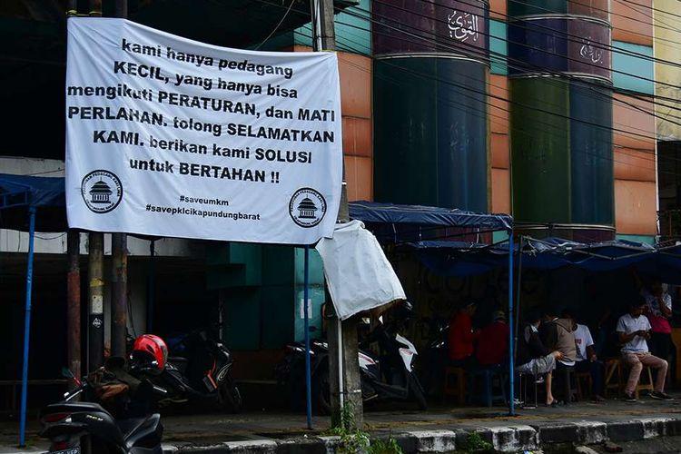 Sebanyak 600 restoran dan 500 hotel di Kota Bandung akan mengibarkan bendera putiih hari ini, Kamis 29 Juli 2021.
