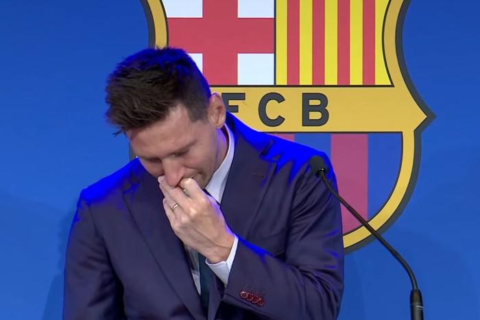 Tangis Lionel Messi Tinggalkan Barcelona