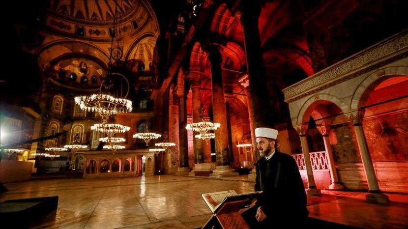 Haga Sofia Jadi Masjid: Ketika Erdogan Menjadi Neo Ottoman